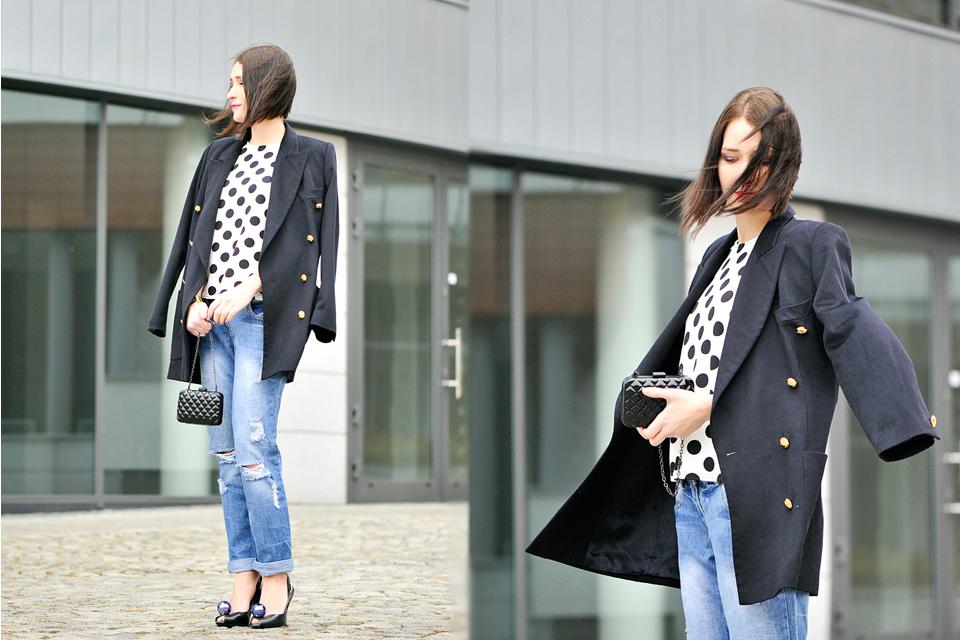 czarny-dwurzędowy-płaszcz