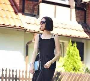 9-black-dress-outfit