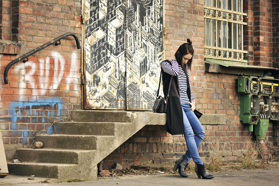 ripped-jeans-street-fashion