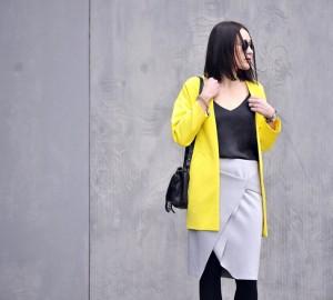 żółty-płaszcz-stylizacja
