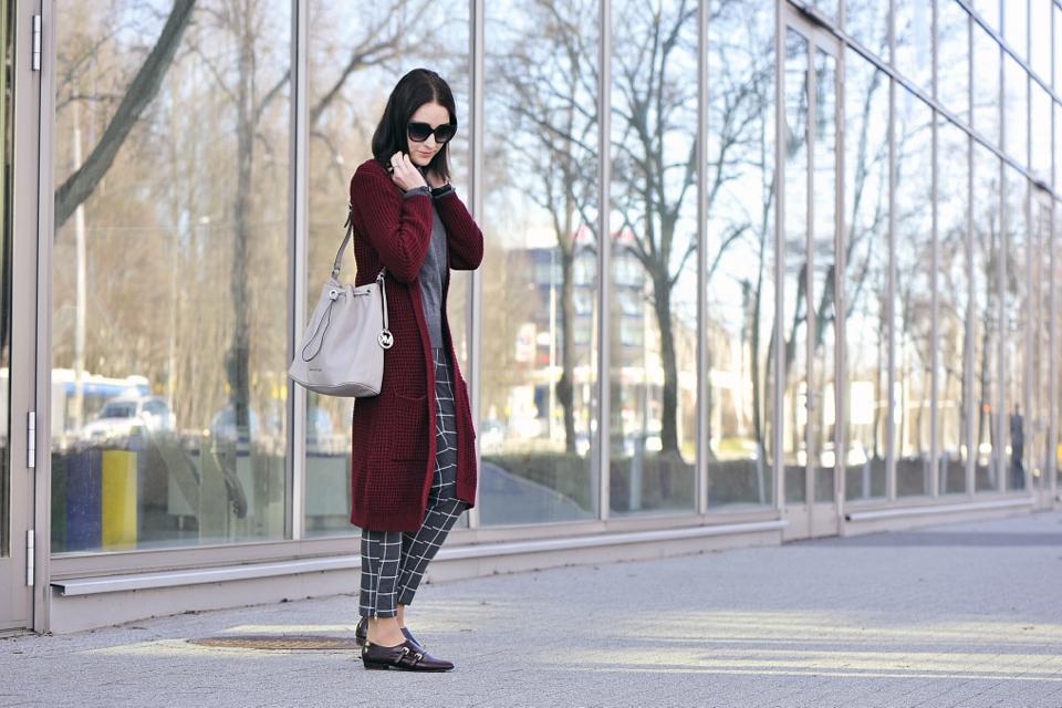 kolor-burgundowy-z-czym-go-nosić