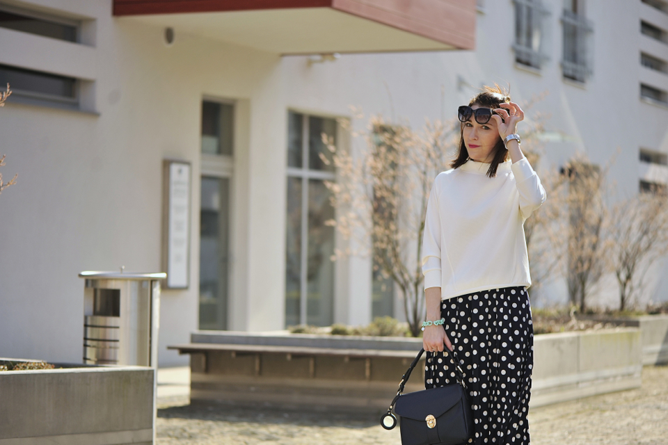 dotted-skirt-street-fashion