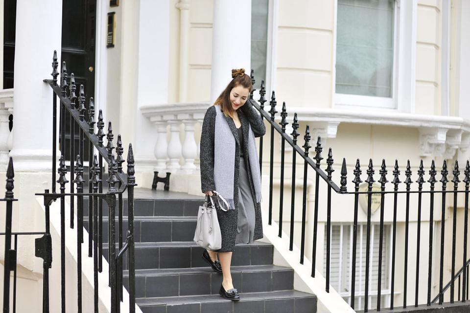 płaszcz-do-połowy-łydki-stylizacja