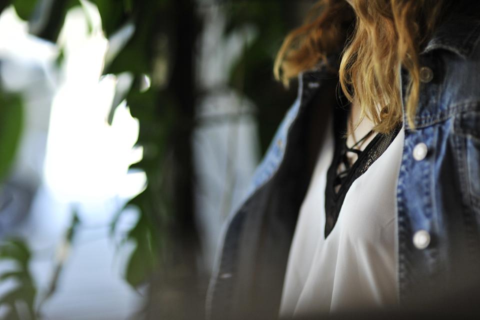 bieliźniana-bluzka-stylizacja
