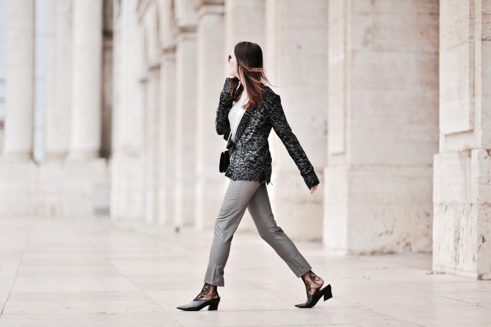 szare spodnie stylizacja
