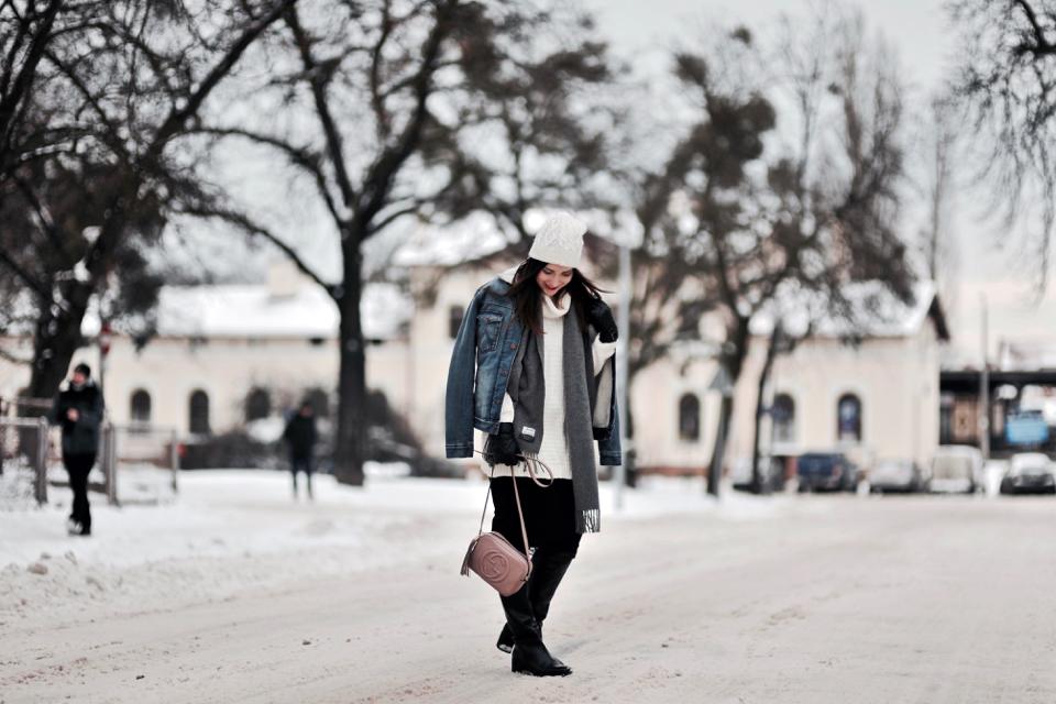 kurtka-z-kożuszkiem-jak-nosić-stylizacja-na-zimę