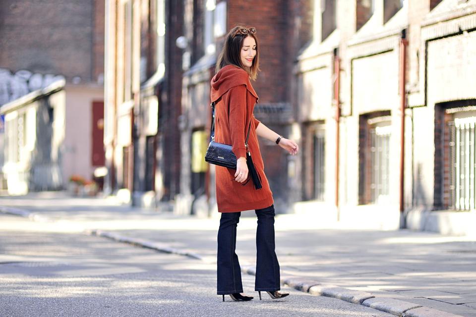 3-długi-sweter-założony-na-spodnie-1