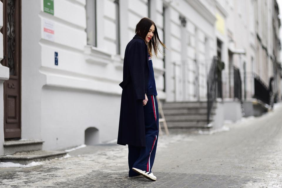 szerokie spodnie z lampasem stylizacja