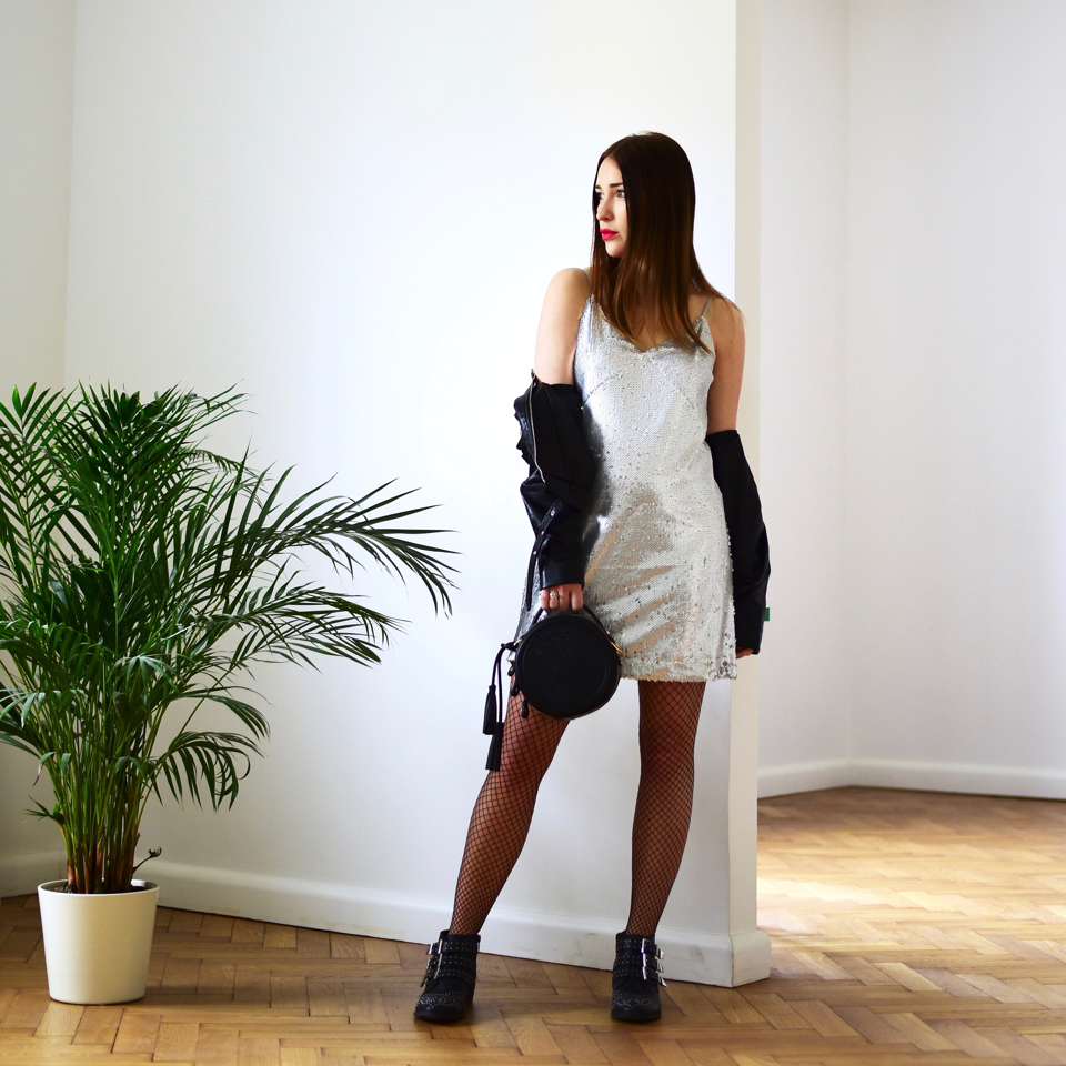 cekinowa-sukienka-co-na-górę