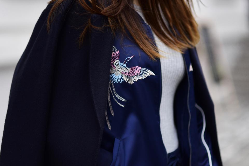 navy-bomber-jacket-street-style