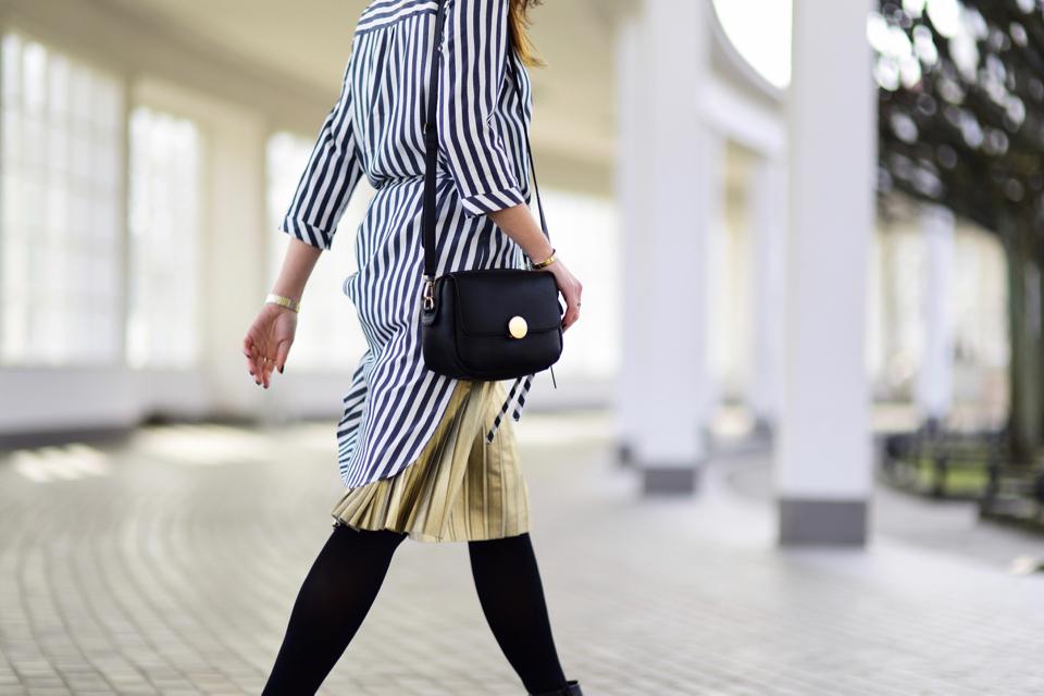 długa-plisowana-koszula-stylizacje