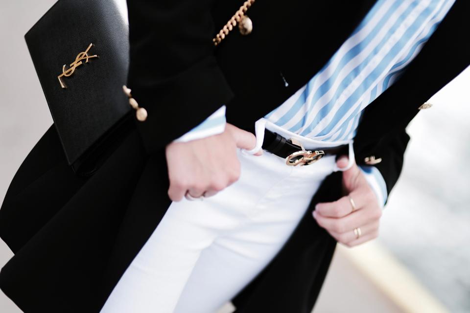 białe jeansy stylizacja