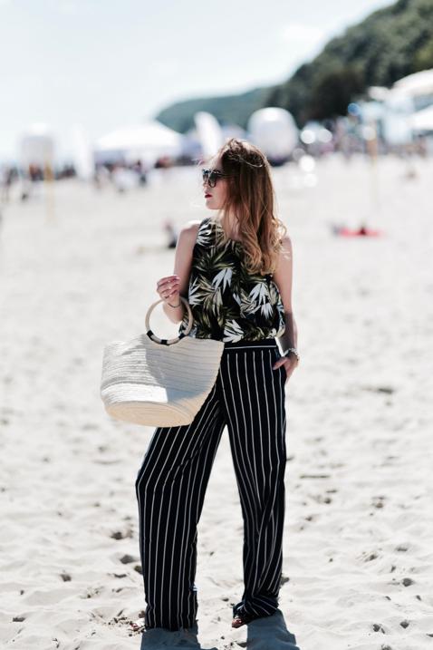 szerokie-spodnie-w-paski-stylizacja