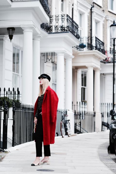 czerwony-płaszcz-do-czego-nosić-stylizacja