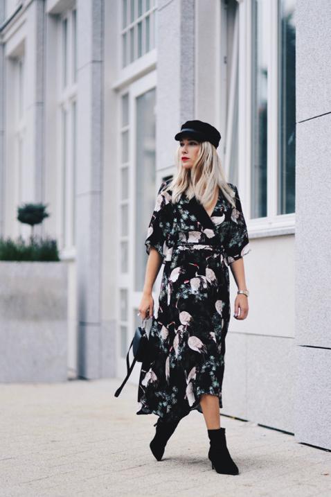KIMONO DRESS STREET STYLE - Shiny Syl blog