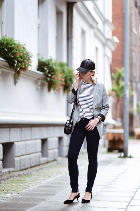 bluzka-w-paski-marynarka-spodnie-rurki-stylizacja
