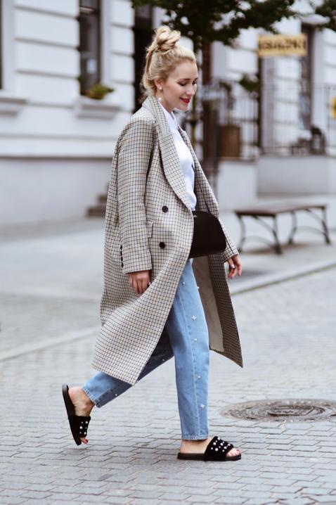 oversizowy-płaszcz-w-kratę-z-hm-trend-jak-nosić-stylizacja-street-style