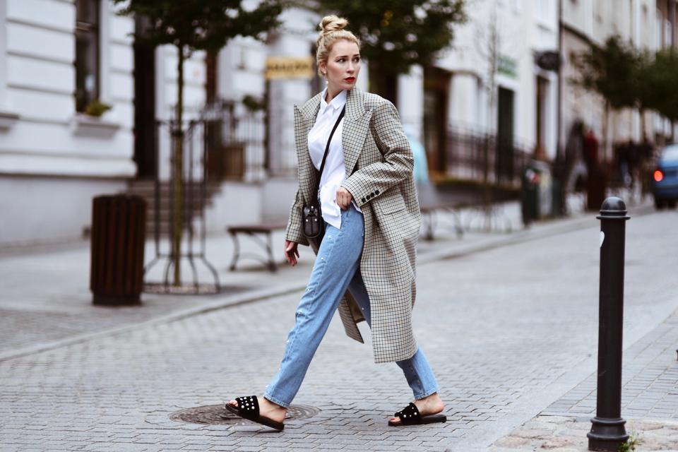 płaszcz-w-kratę-hm-trend-stylizacja