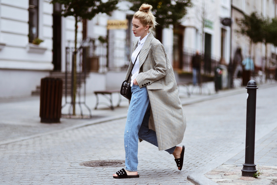 oversized-checked-coat-hm-trend-street-style-outfit-idea
