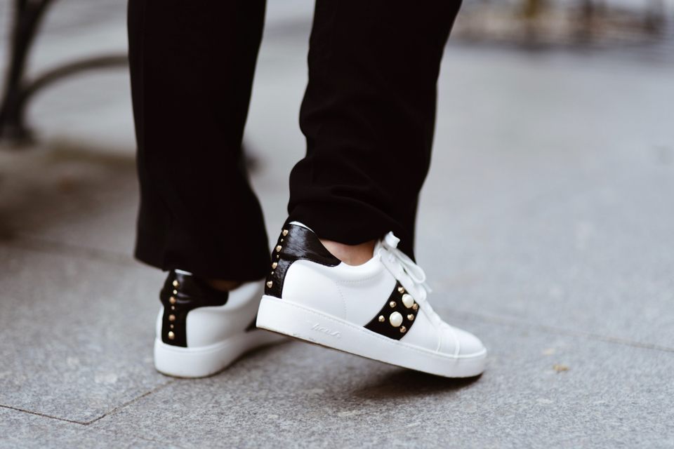 sneakers-with-perals-outfit-street-style