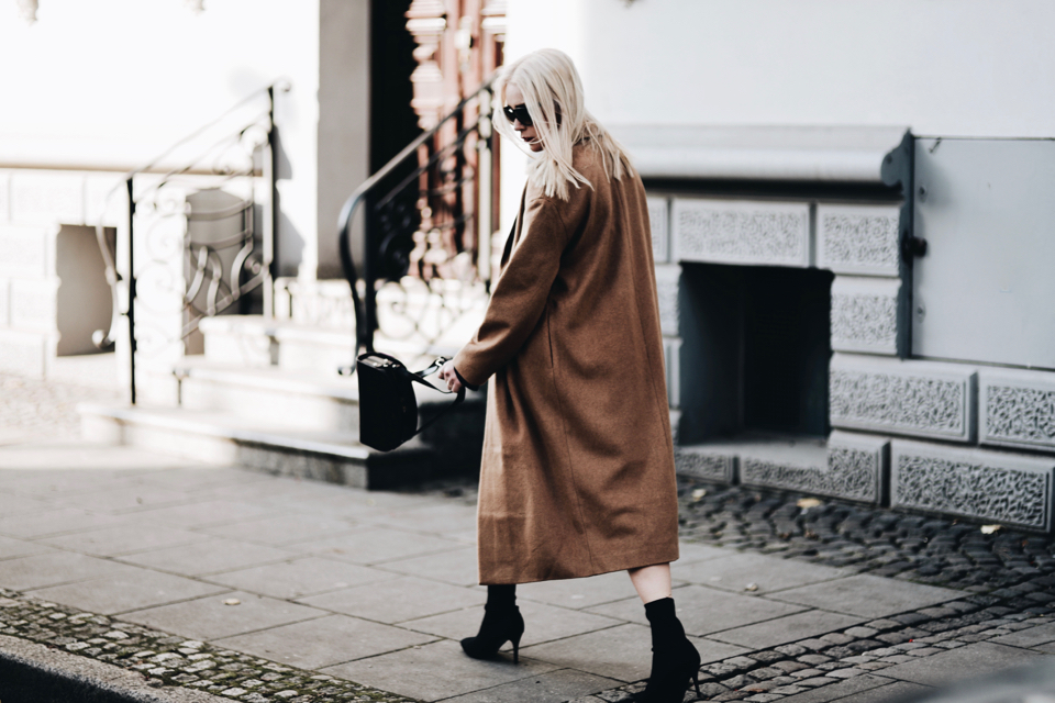 sock boots street style street fashion outfit idea