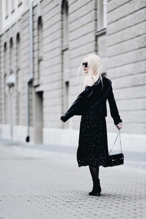 ramoneska-do-eleganckiej-sukienki-stylizacja