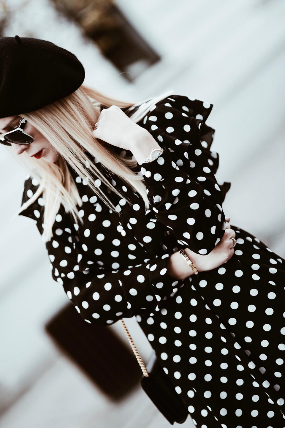 długa-sukienka-w-groszki-stylizacja