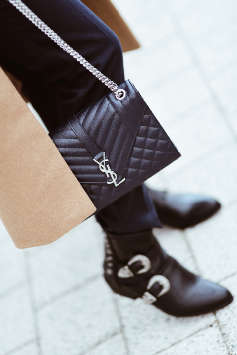 Saint Laurent Bag Medium Envelope Ysl Shiny Syl Blog