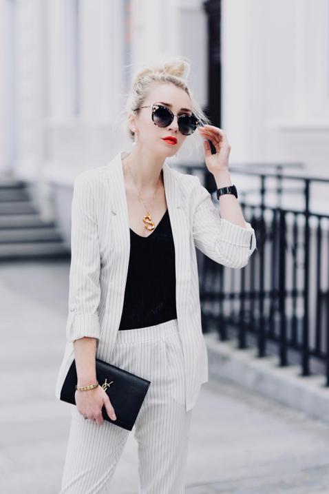 biały-garnitur-w-paski-w-prążki-stylizacja