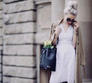 granatowa-torebka-do-czego-nosić-do-czego-pasuje-do-jakich-butów-stylizacja hit instagrama