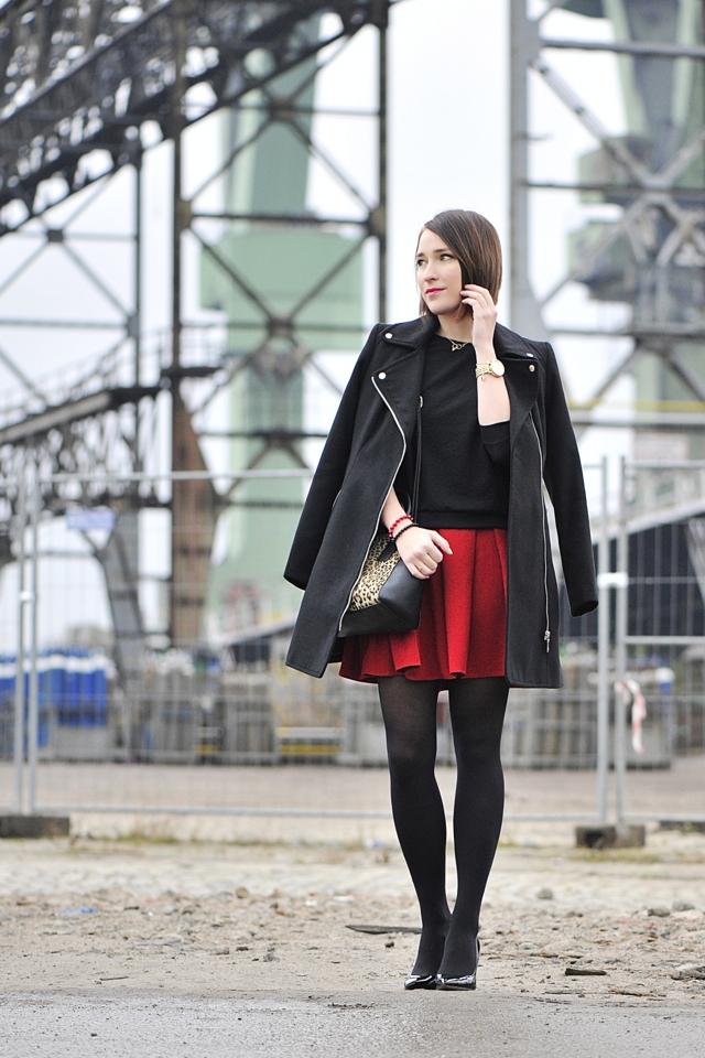 4 blog_o_modzie_shinysyl_czarny płaszcz