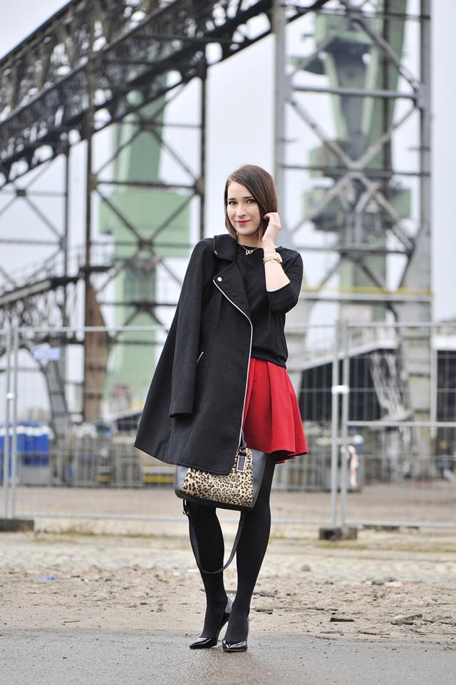 6 blog_o_modzie_shinysyl_czerwona mini spódniczka