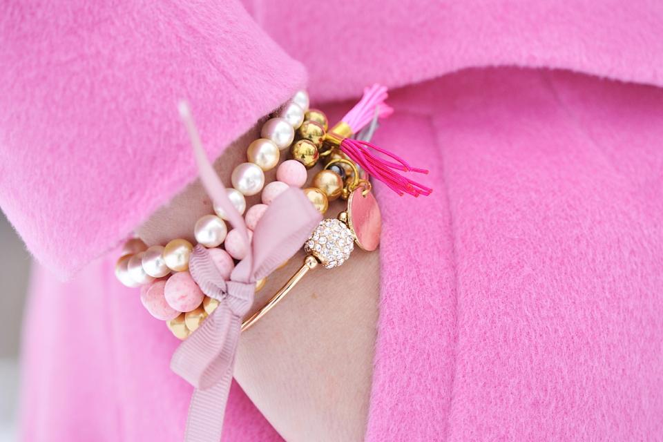 różowe bransoletki