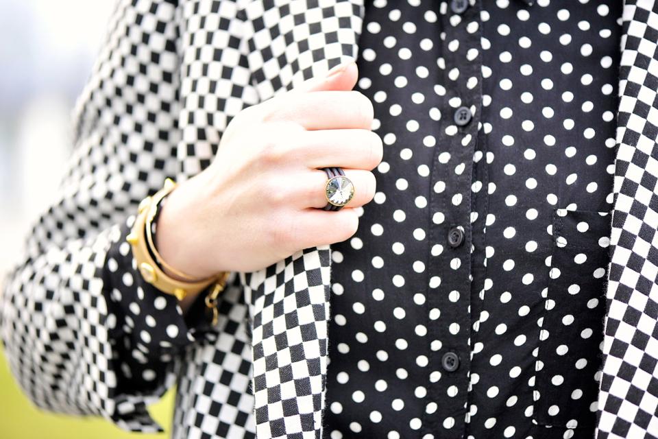pierścionek z kryształem