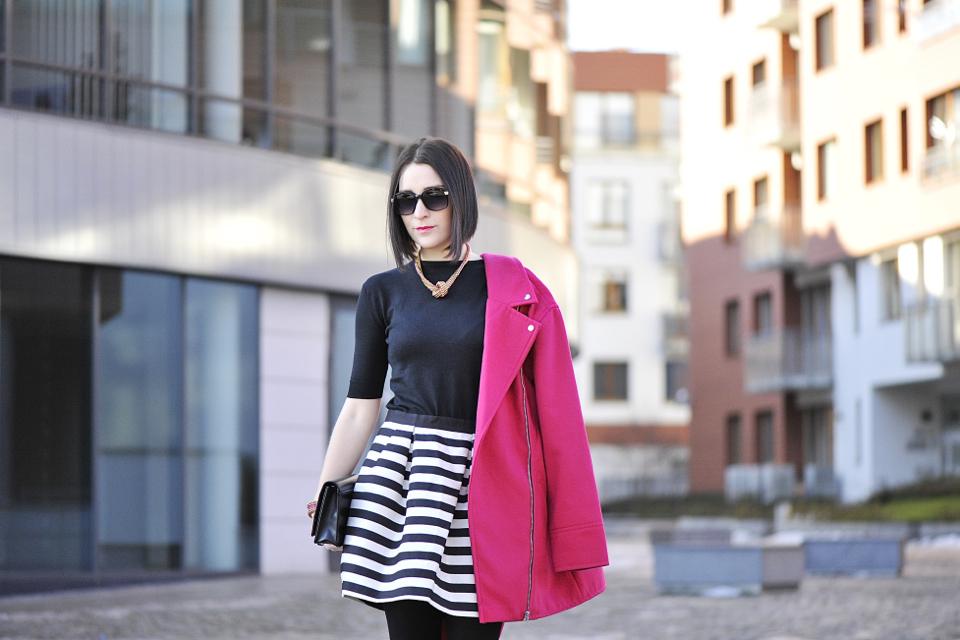 czarny-sweterek
