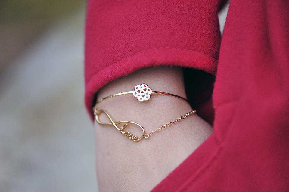 bransoletka-ze-znakiem-nieskończoności