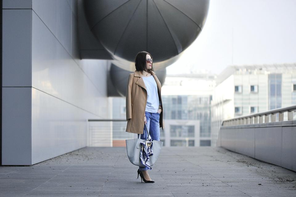 kamelowy-płaszcz