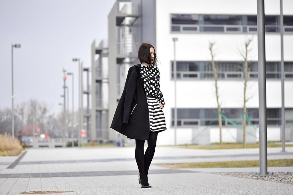 czarny-płaszcz