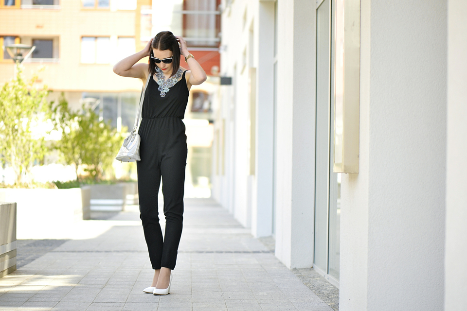 black-overall-street-fashion