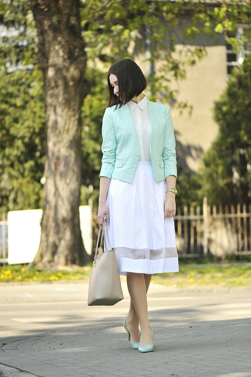 white-skirt-street-fashion
