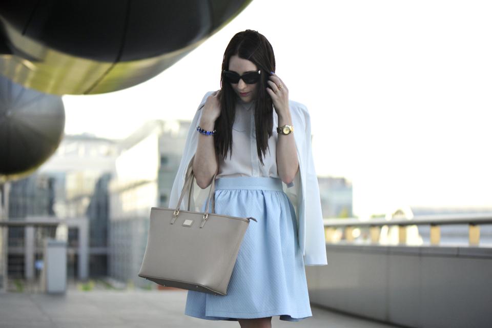 baby-blue-skirt-street-fashion