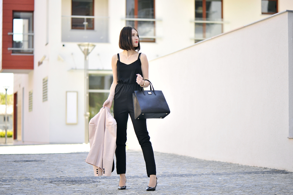 black-overall-outfit