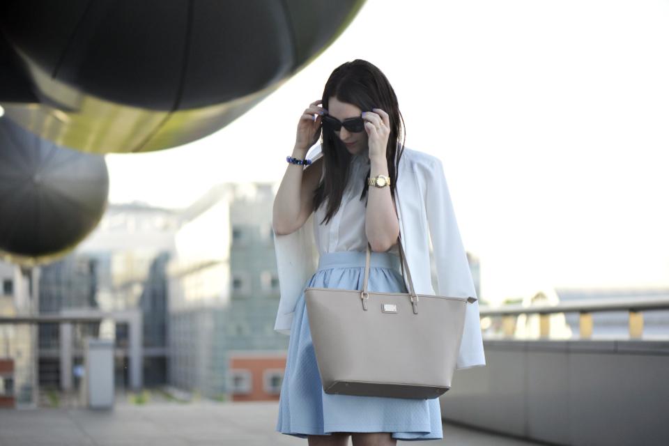 white-blazer-street-style