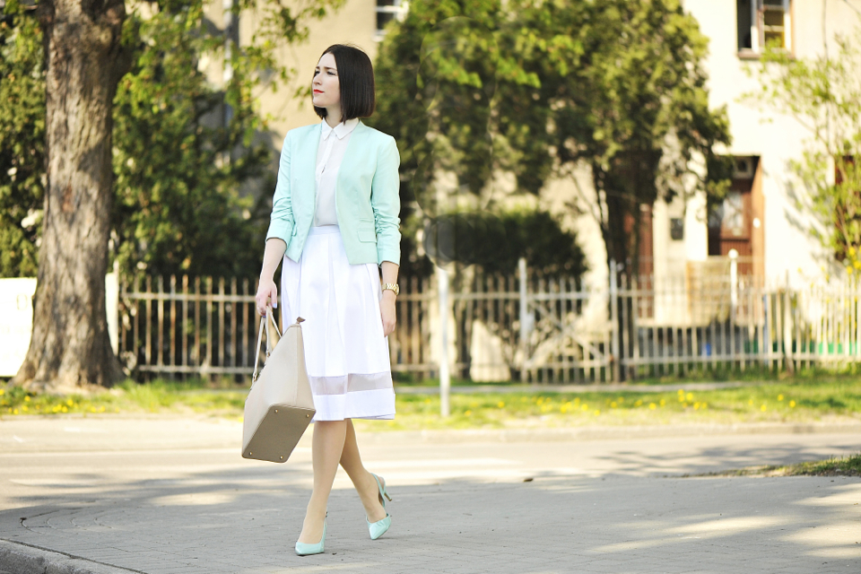 biała-spódnica