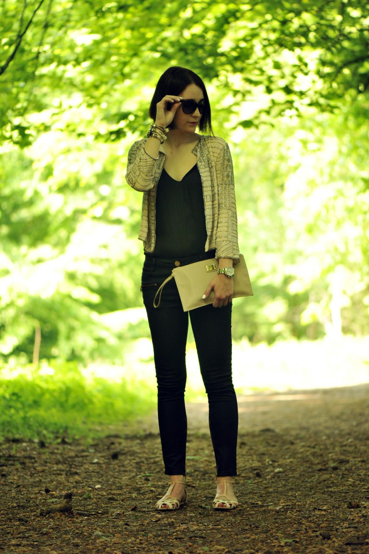 czarne-rurki-do-czego-nosić