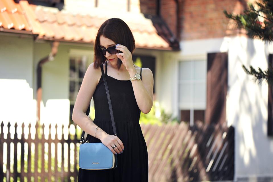 czarna-sukienka-do-czego-założyć