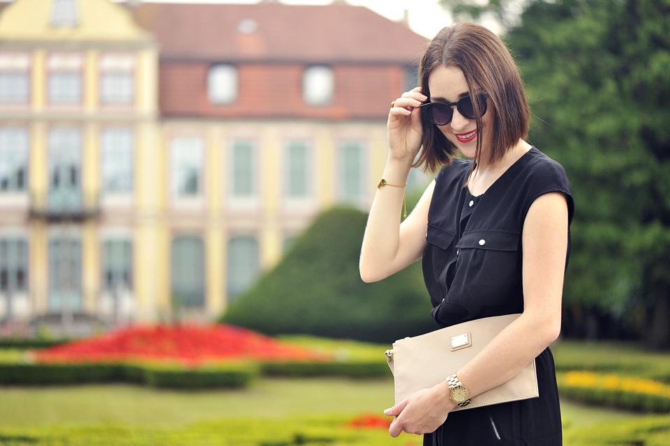 czarna-sukienka-stylizacja