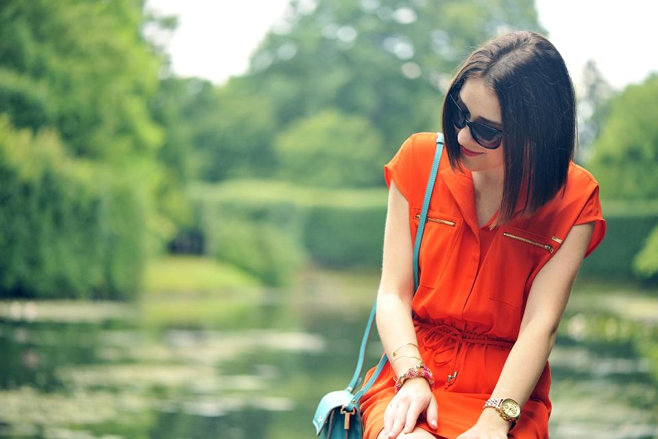 pomarańczowa sukienka stylizacja
