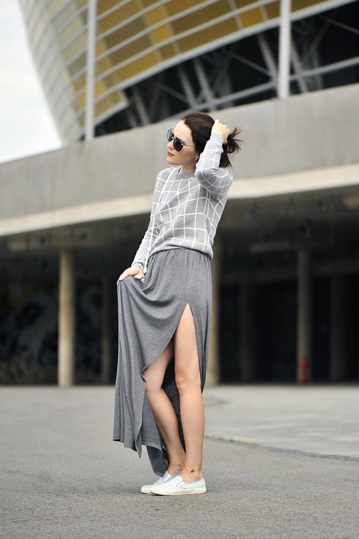 szara-długa-spódnica