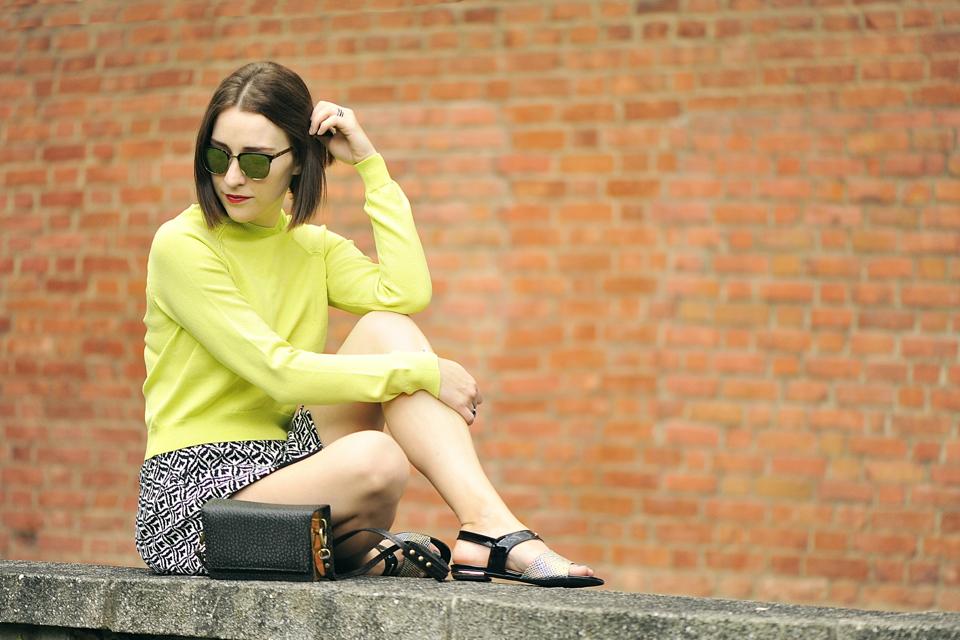limonkowa-bluzka-stylizacja